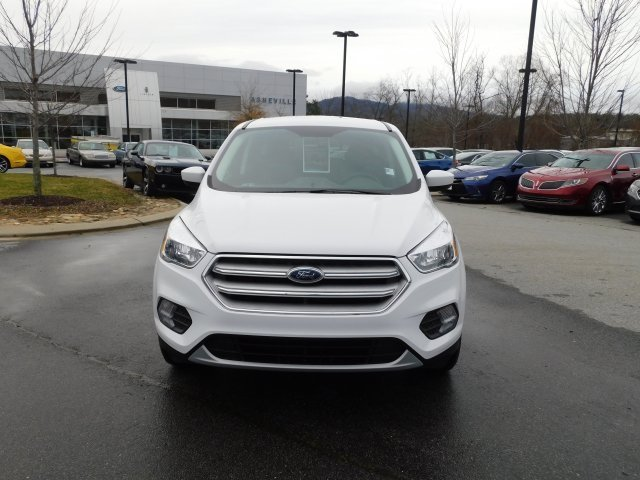 2019 Oxford White Ford Escape SE 4X4 SUV EcoBoost 1.5L I4 GTDi DOHC Turbocharged VCT Engine
