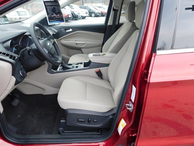 2019 Ford Escape SE 4X4 4 Door EcoBoost 1.5L I4 GTDi DOHC Turbocharged VCT Engine SUV Automatic