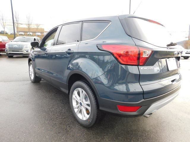 2019 Ford Escape SE EcoBoost 1.5L I4 GTDi DOHC Turbocharged VCT Engine 4 Door Automatic