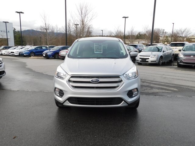 2019 Ingot Silver Metallic Ford Escape SE 4 Door Automatic EcoBoost 1.5L I4 GTDi DOHC Turbocharged VCT Engine SUV 4X4