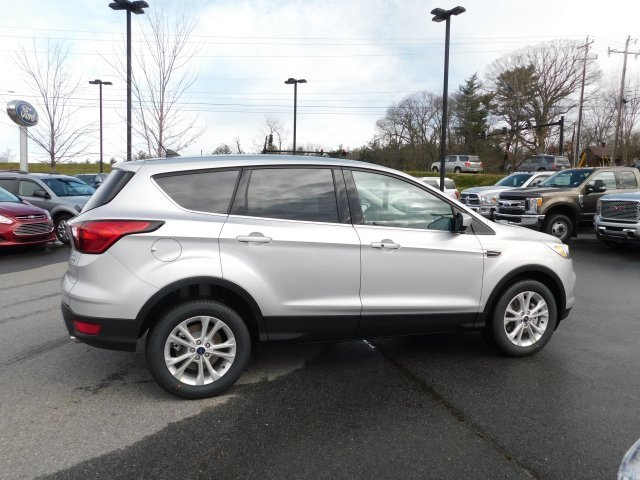 2019 Ingot Silver Metallic Ford Escape SE SUV 4 Door 4X4 EcoBoost 1.5L I4 GTDi DOHC Turbocharged VCT Engine Automatic