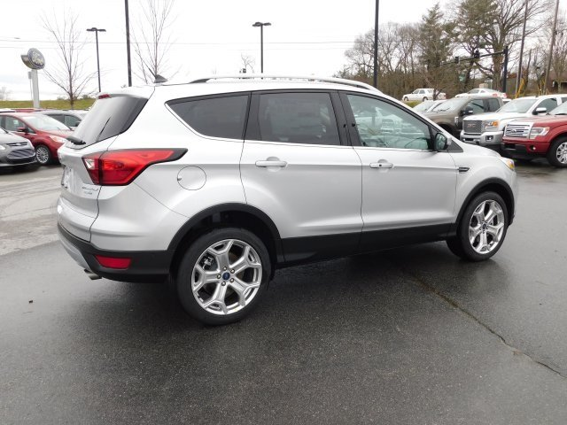 2019 Ingot Silver Metallic Ford Escape Titanium 4X4 EcoBoost 2.0L I4 GTDi DOHC Turbocharged VCT Engine 4 Door SUV Automatic