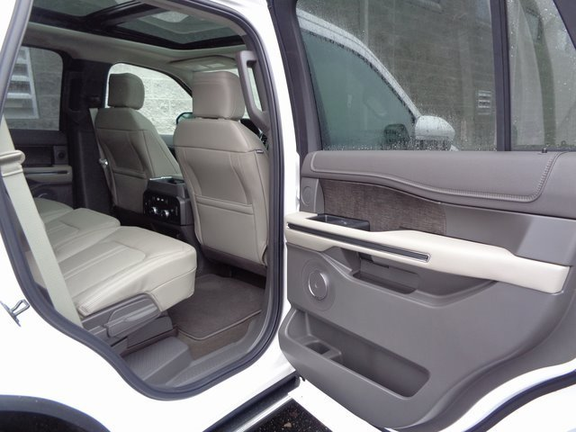 2019 White Metallic Ford Expedition Limited Automatic RWD 4 Door