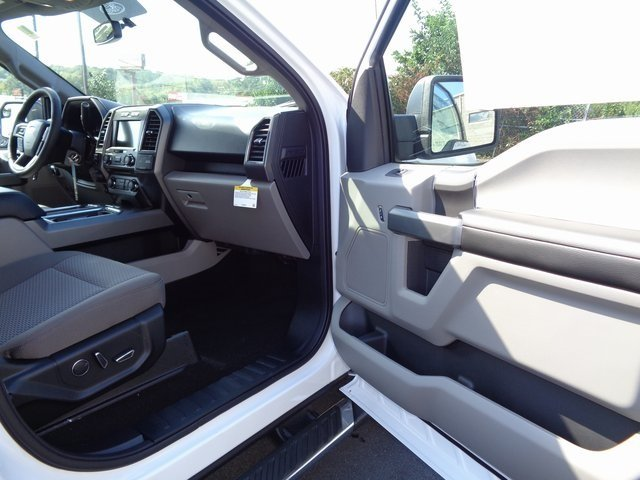 2018 Oxford White Ford F-150 XLT Truck EcoBoost 3.5L V6 GTDi DOHC 24V Twin Turbocharged Engine Automatic 4 Door 4X4