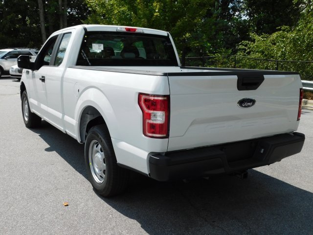 2018 Oxford White Ford F-150 XL 4 Door RWD Automatic 3.3L V6 Ti-VCT 24V Engine