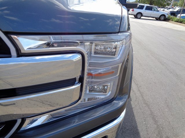 2018 Magnetic Metallic Ford F-150 Lariat Truck Automatic 4X4