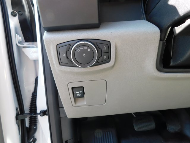 2018 Oxford White Ford F-150 XL Automatic 3.3L V6 Ti-VCT 24V Engine RWD
