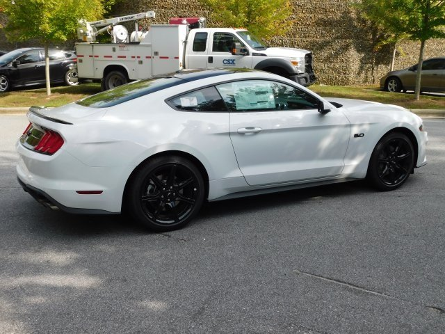2019 Oxford White Ford Mustang GT Premium 5.0L V8 Ti-VCT Engine Coupe RWD