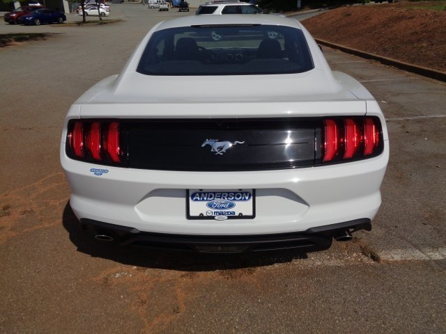 2018 Oxford White Ford Mustang EcoBoost EcoBoost 2.3L I4 GTDi DOHC Turbocharged VCT Engine RWD Automatic 2 Door