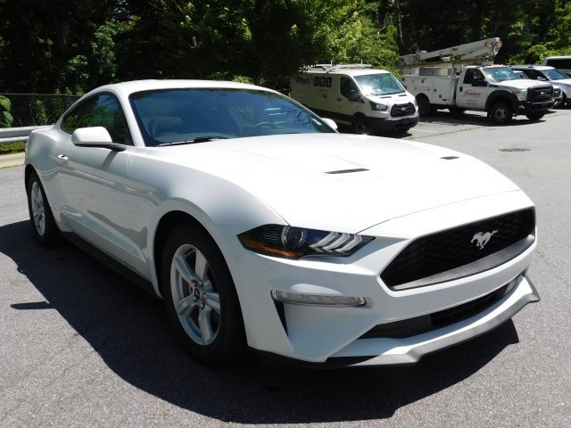 2018 Oxford White Ford Mustang EcoBoost EcoBoost 2.3L I4 GTDi DOHC Turbocharged VCT Engine Automatic 2 Door Coupe