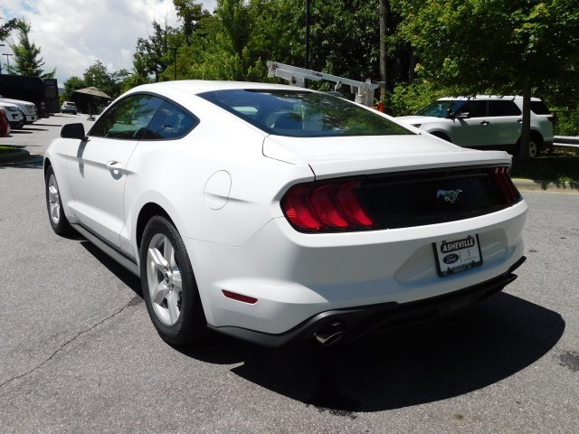 2018 Oxford White Ford Mustang EcoBoost Coupe 2 Door RWD EcoBoost 2.3L I4 GTDi DOHC Turbocharged VCT Engine