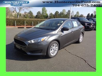 2018 Magnetic Metallic Ford Focus SE FWD Sedan 4 Door Automatic I4 Engine