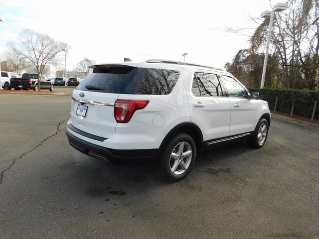 2019 Oxford White Ford Explorer XLT 3.5L V6 Ti-VCT Engine 4 Door Automatic FWD SUV