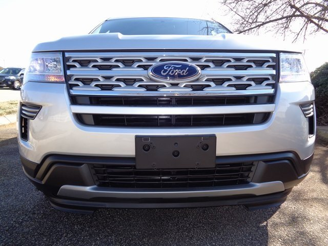 2019 Ingot Silver Metallic Ford Explorer XLT 3.5L V6 Ti-VCT Engine 4 Door FWD SUV