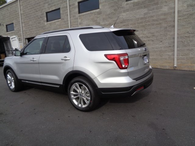2019 Ingot Silver Metallic Ford Explorer XLT 3.5L V6 Ti-VCT Engine FWD 4 Door SUV