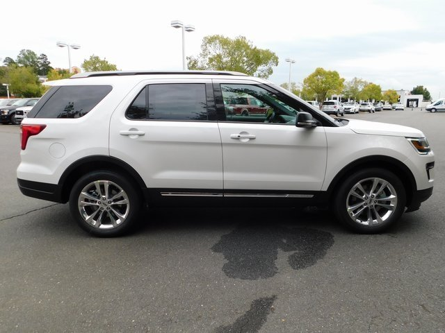 2019 White Ford Explorer XLT 3.5L V6 Ti-VCT Engine SUV 4 Door Automatic