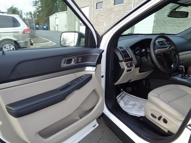 2019 White Metallic Ford Explorer XLT SUV FWD 3.5L V6 Ti-VCT Engine 4 Door
