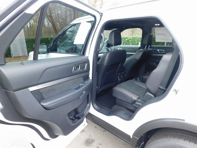2019 Oxford White Ford Explorer XLT 4 Door 4X4 3.5L V6 Ti-VCT Engine Automatic SUV