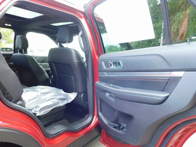 2018 Ruby Red Metallic Tinted Clearcoat Ford Explorer Sport 4X4 4 Door 3.5L Engine SUV Automatic