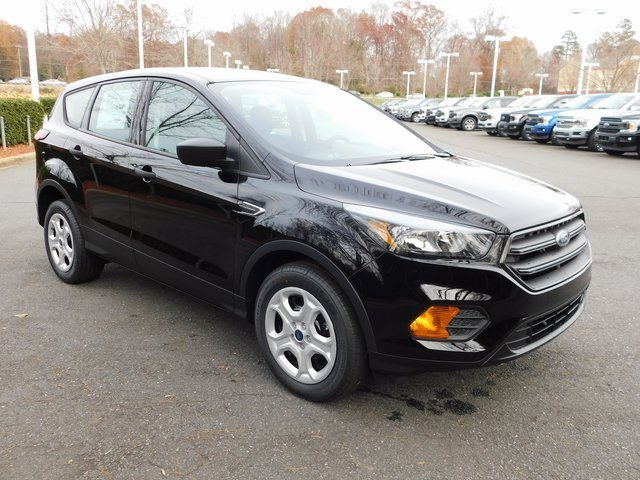2019 Agate Black Metallic Ford Escape S 2.5L iVCT Engine FWD Automatic 4 Door