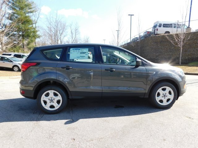 2019 Magnetic Metallic Ford Escape S FWD 4 Door 2.5L iVCT Engine