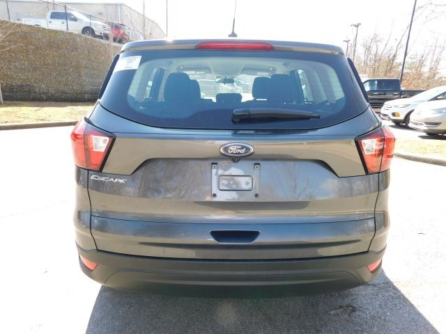 2019 Ford Escape S SUV 4 Door FWD 2.5L iVCT Engine