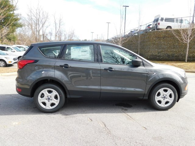 2019 Magnetic Metallic Ford Escape S FWD 4 Door Automatic 2.5L iVCT Engine