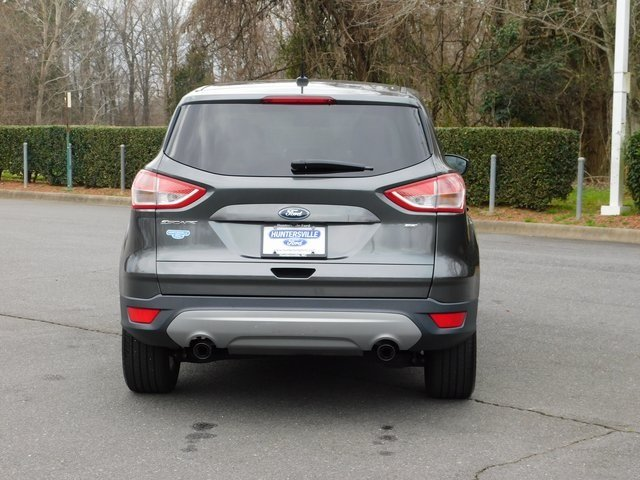 2016 Magnetic Ford Escape SE FWD 4 Door SUV Automatic