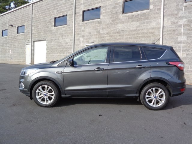 2017 Magnetic Metallic Ford Escape SE FWD EcoBoost 2.0L I4 GTDi DOHC Turbocharged VCT Engine Automatic