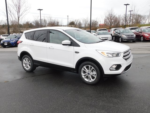 2019 Oxford White Ford Escape SE FWD 4 Door Automatic SUV EcoBoost 1.5L I4 GTDi DOHC Turbocharged VCT Engine