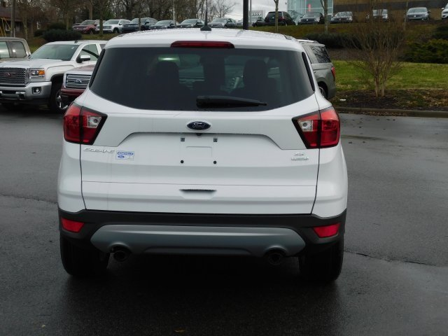 2019 Oxford White Ford Escape SE EcoBoost 1.5L I4 GTDi DOHC Turbocharged VCT Engine SUV 4 Door FWD Automatic