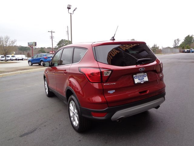 2019 Ruby Red Metallic Tinted Clearcoat Ford Escape SE SUV EcoBoost 1.5L I4 GTDi DOHC Turbocharged VCT Engine 4 Door Automatic