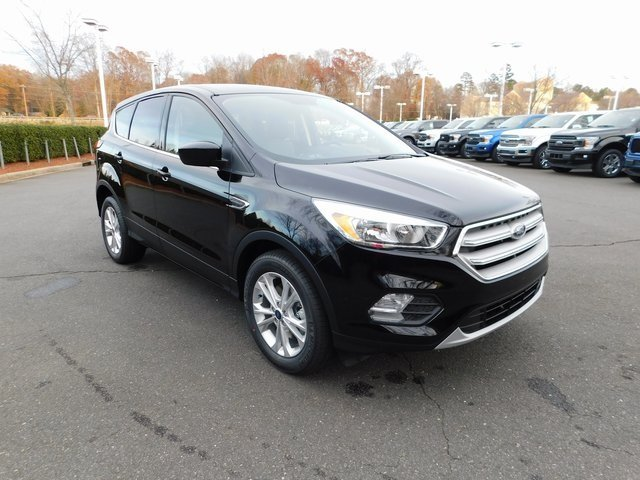 2019 Agate Black Metallic Ford Escape SE SUV EcoBoost 1.5L I4 GTDi DOHC Turbocharged VCT Engine 4 Door FWD