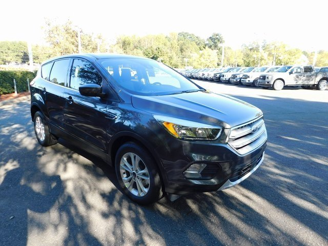 2019 Magnetic Metallic Ford Escape SE Automatic 4 Door EcoBoost 1.5L I4 GTDi DOHC Turbocharged VCT Engine