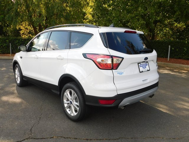 2018 Oxford White Ford Escape SE 4 Door SUV FWD EcoBoost 1.5L I4 GTDi DOHC Turbocharged VCT Engine Automatic