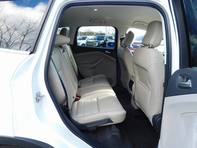 2019 Oxford White Ford Escape SEL 4 Door FWD Automatic SUV