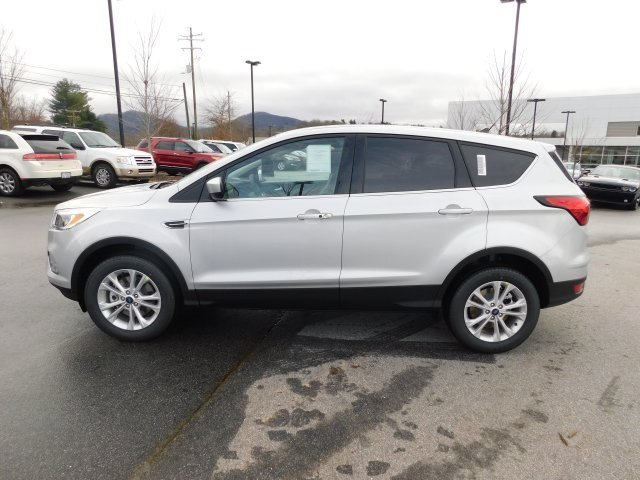 2019 Ford Escape SE SUV 4 Door EcoBoost 1.5L I4 GTDi DOHC Turbocharged VCT Engine
