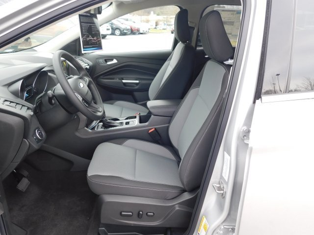 2019 Ingot Silver Metallic Ford Escape SE Automatic 4 Door 4X4