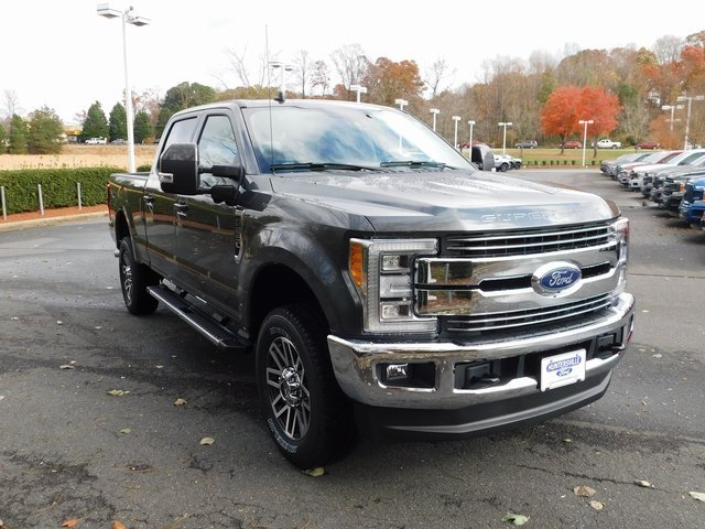 2019 Magnetic Metallic Ford Super Duty F-250 SRW Lariat 4X4 6.2L SOHC Engine Automatic 4 Door