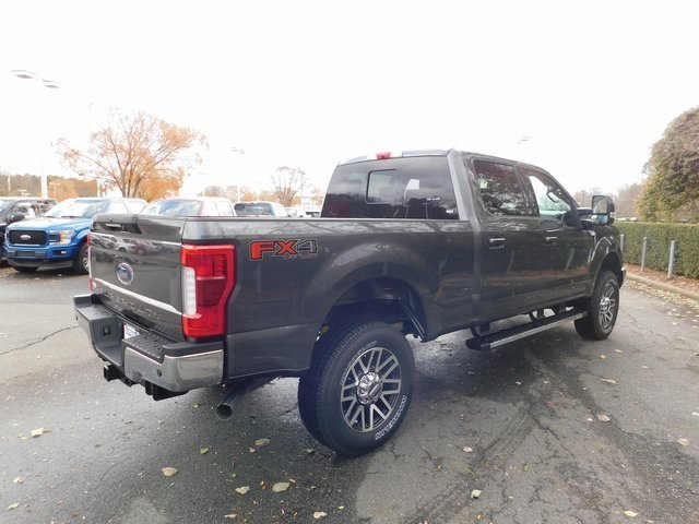 2019 Magnetic Metallic Ford Super Duty F-250 SRW Lariat 4 Door 6.2L SOHC Engine 4X4