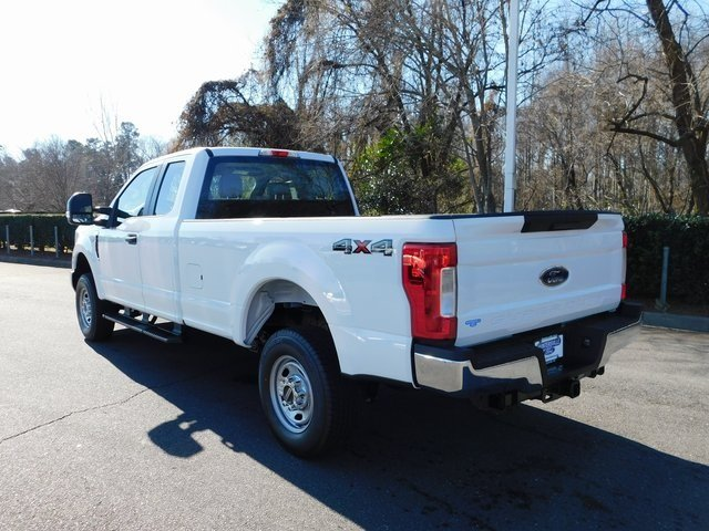 2019 Oxford White Ford Super Duty F-250 SRW XL Automatic 6.2L SOHC Engine Truck 4X4