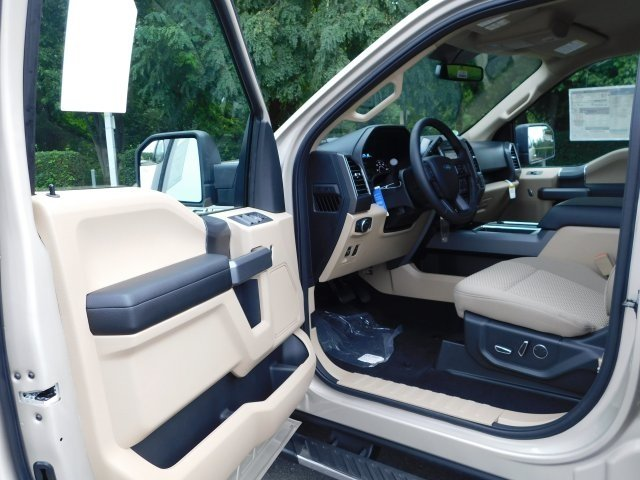 2018 White Gold Ford F-150 XLT 5.0L V8 Ti-VCT Engine Automatic Truck 4 Door 4X4