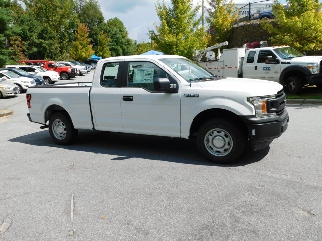 2018 Oxford White Ford F-150 XL Truck Automatic 3.3L V6 Ti-VCT 24V Engine 4 Door