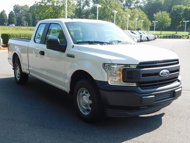 2018 Oxford White Ford F-150 XL 3.3L V6 Ti-VCT 24V Engine 4 Door Truck Automatic RWD