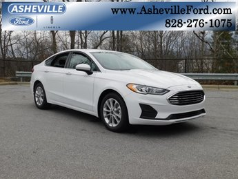 2019 Oxford White Ford Fusion SE FWD Automatic 4 Door