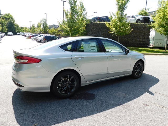 2018 Ingot Silver Metallic Ford Fusion SE Sedan EcoBoost 1.5L I4 GTDi DOHC Turbocharged VCT Engine FWD 4 Door Automatic