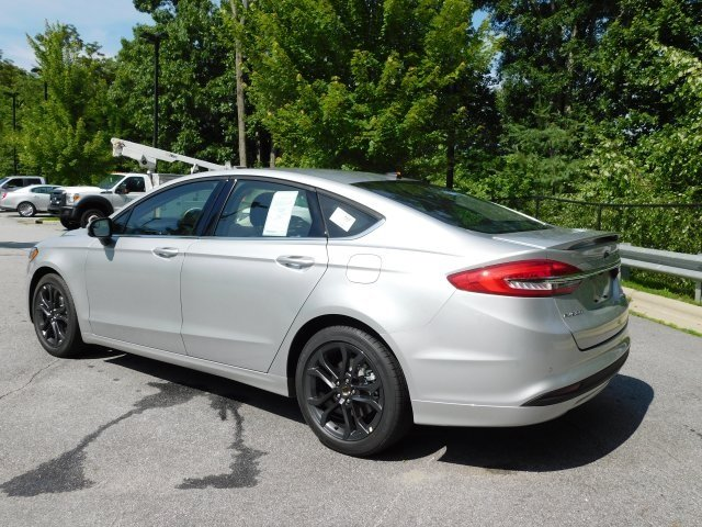 2018 Ingot Silver Metallic Ford Fusion SE EcoBoost 1.5L I4 GTDi DOHC Turbocharged VCT Engine FWD Automatic Sedan 4 Door