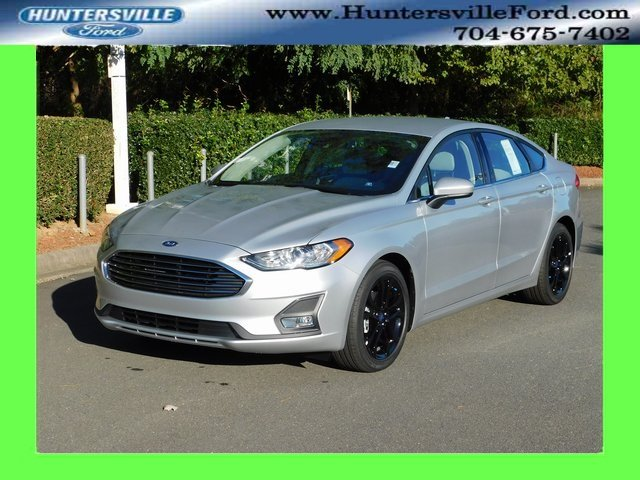 2019 Ingot Silver Metallic Ford Fusion SE 4 Door Sedan FWD Automatic