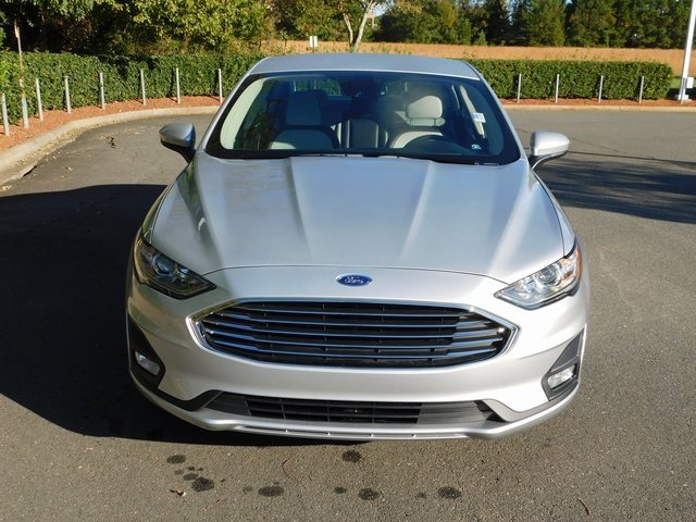 2019 Ford Fusion SE EcoBoost 1.5L I4 GTDi DOHC Turbocharged VCT Engine Sedan FWD 4 Door Automatic