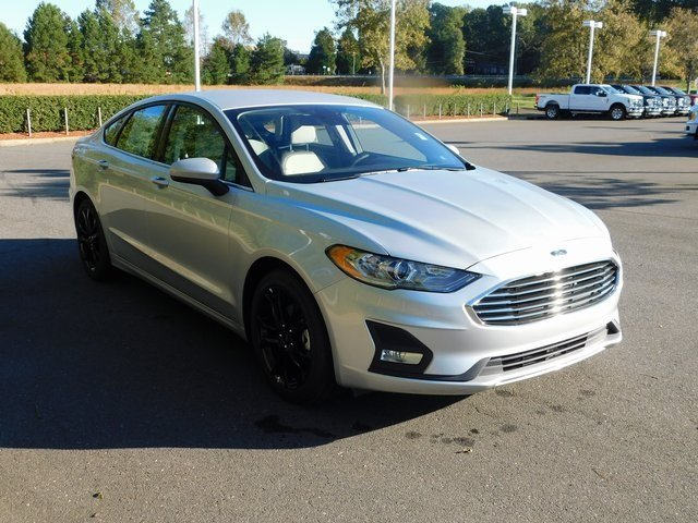 2019 Ford Fusion SE EcoBoost 1.5L I4 GTDi DOHC Turbocharged VCT Engine 4 Door Sedan Automatic FWD